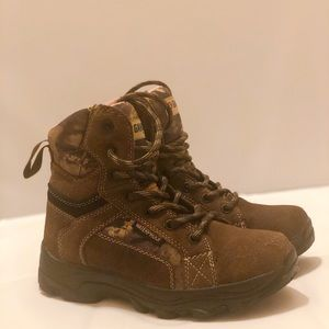Gander Mountain waterproof boots kids size 2